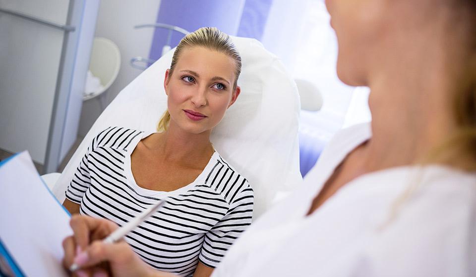 risques liés au maquillage permanent